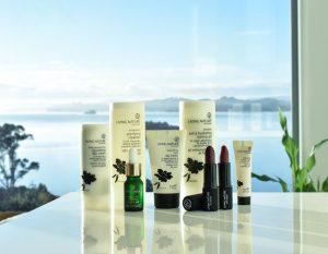 Living Nature có dòng sản phẩm chăm sóc da và mỹ phẩm