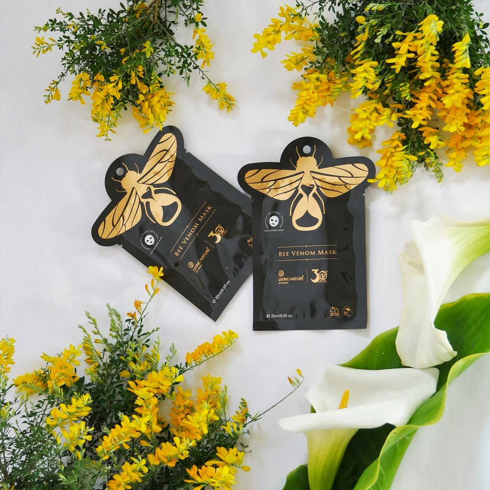 Mặt nạ nọc ong Living Nature Bee Venom Mask