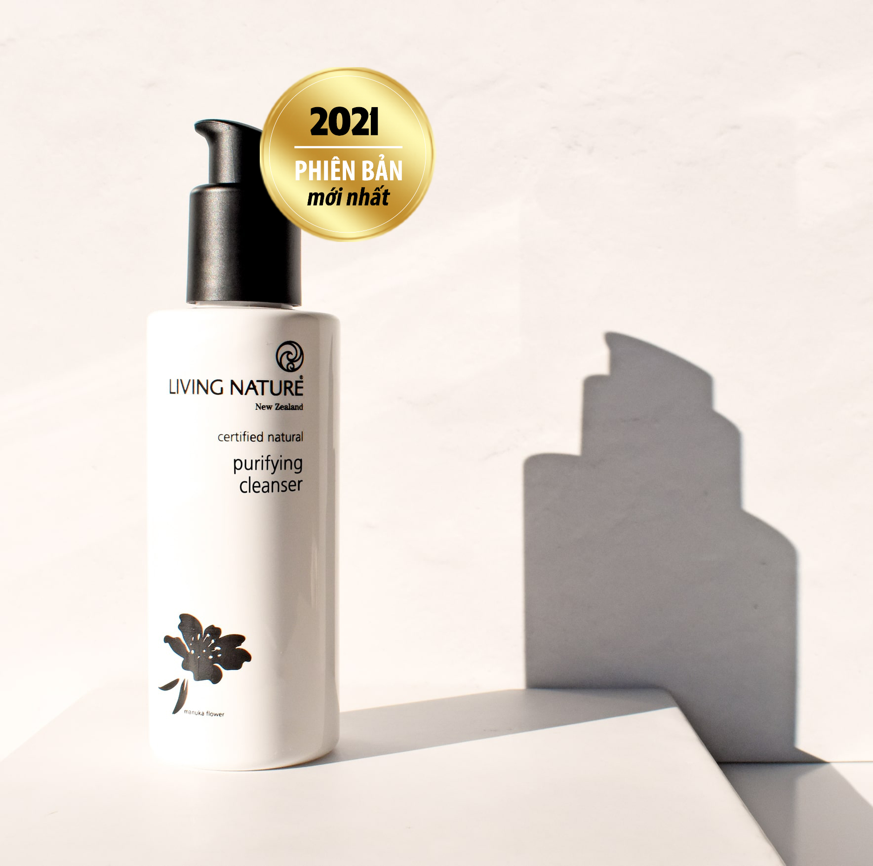 Sữa rửa mặt Living Nature Purifying Cleanser 120ml 2021