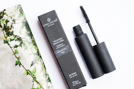 Mascara Living Nature  - Thickening Jet Black 5
