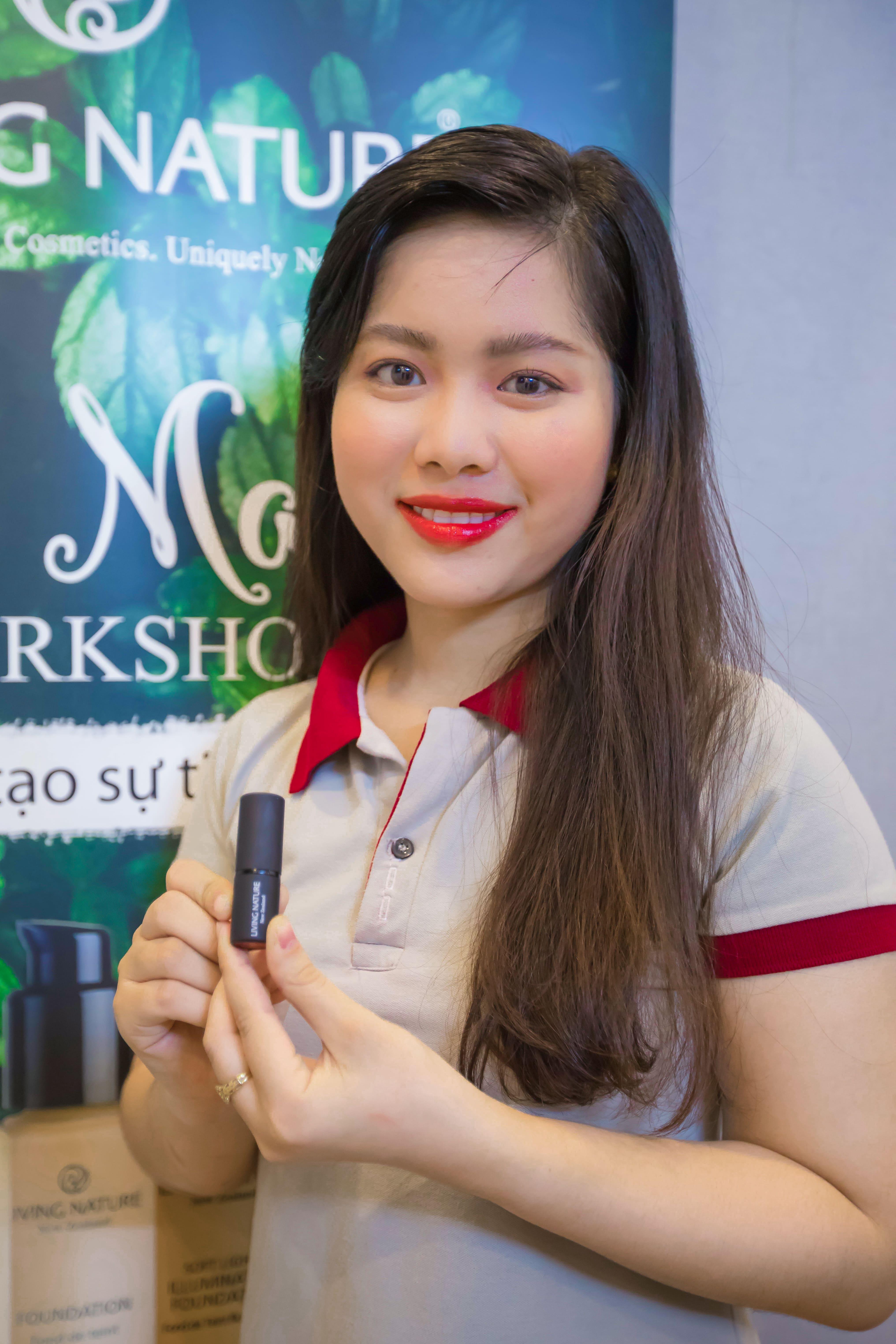 Mỹ phẩm Living Nature tổ chức workshop makeup 4