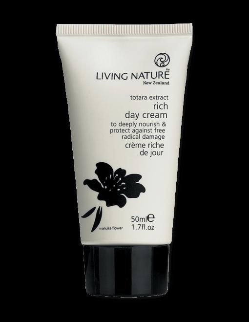 Kem dưỡng Living Nature Rich Day Cream