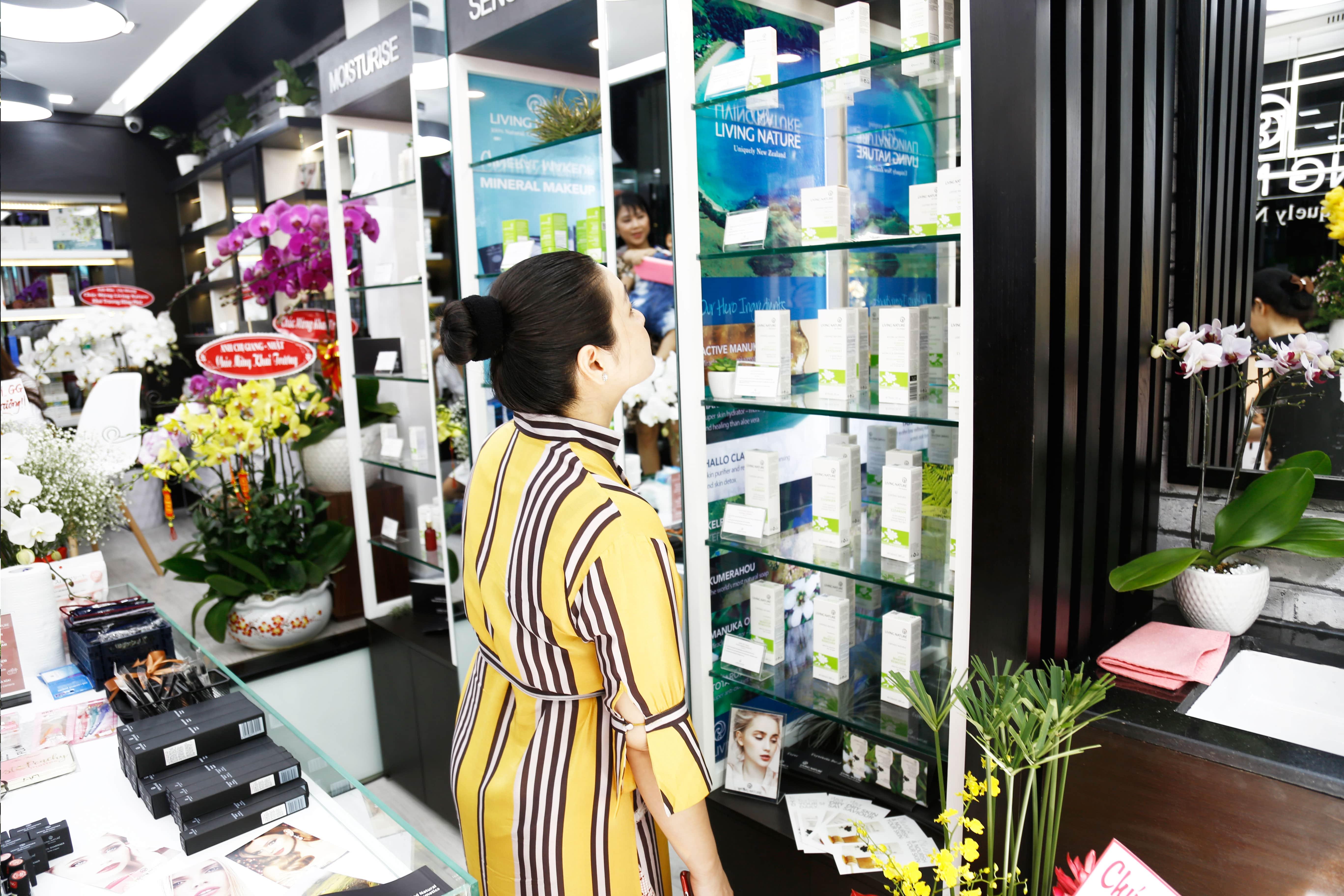Showroom mỹ phẩm Living Nature tại Việt Nam 5