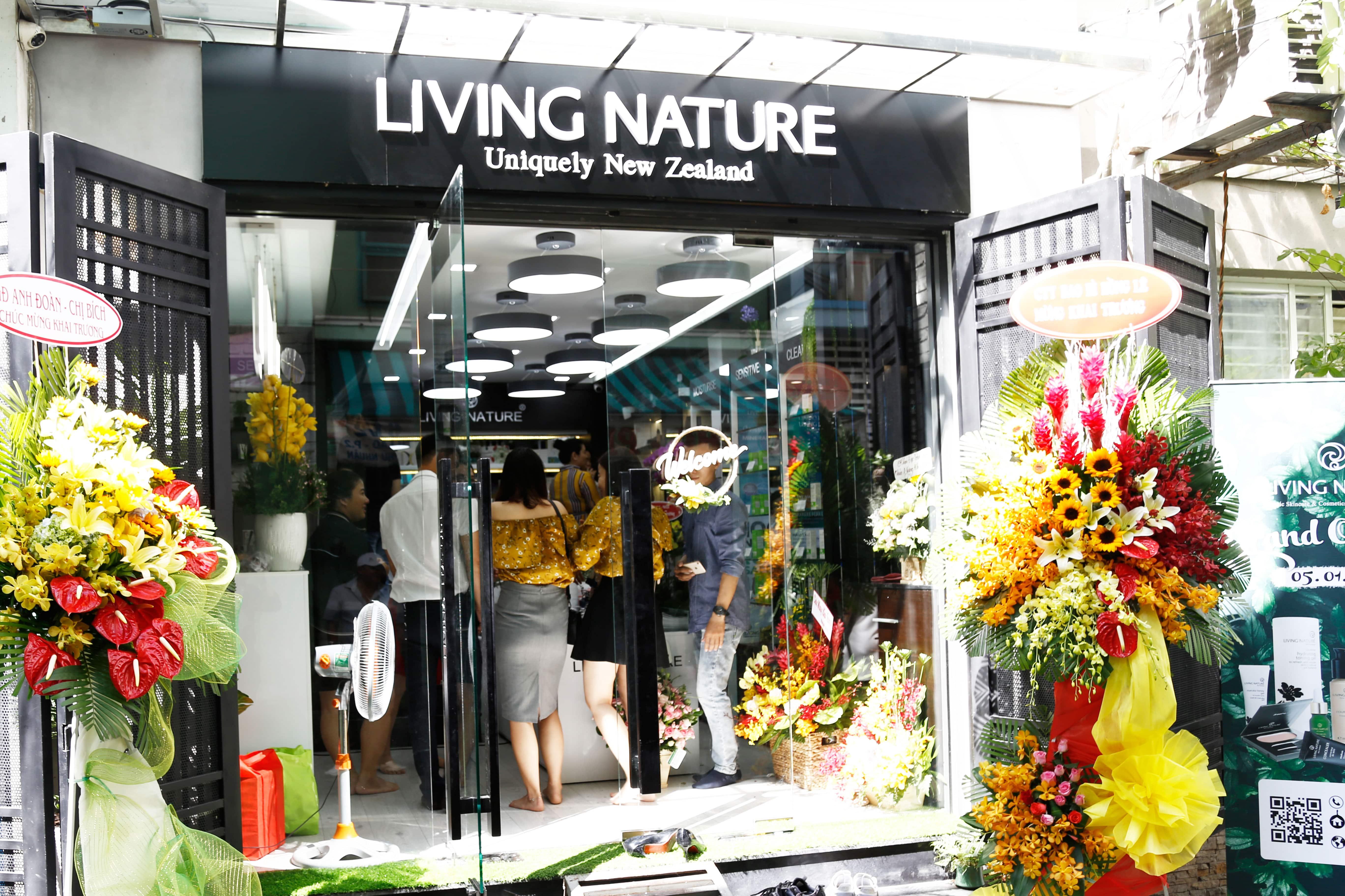 Showroom mỹ phẩm Living Nature tại Việt Nam 3
